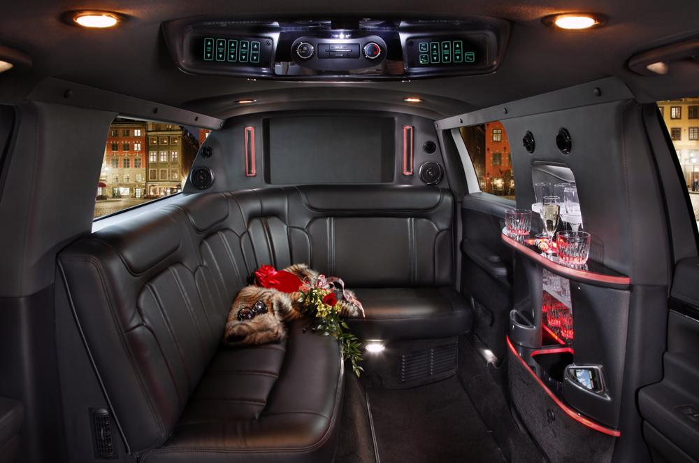 6 Passenger Vehicles >> Limousine Fleet in New Haven, Hartford & Fairfield CT |Hy's Limousine